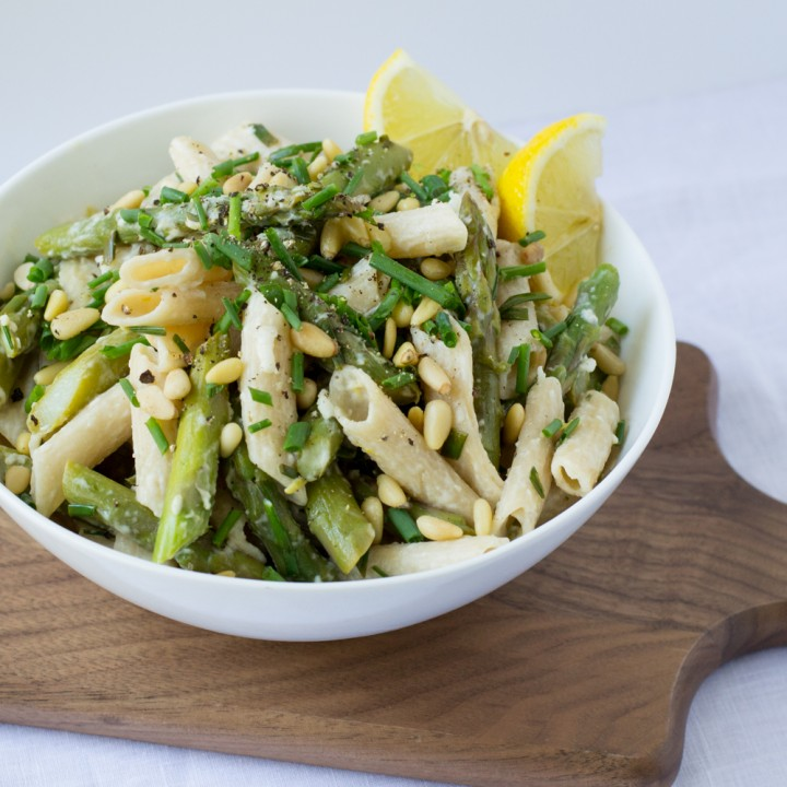 Asparagus-Goat-Cheese-Lemon-Pasta-with-Pine-Nuts-Chives-e1435019005343