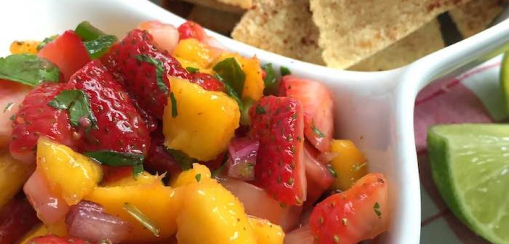 Strawberry-Mango Salsa with Cinnamon Tortilla Chips ...